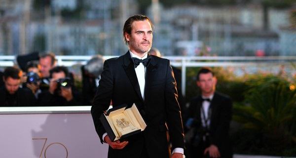 Monday Movie Report: Joaquin Phoenix's Joker revealed, 'Captain Marvel' trailerdebuts